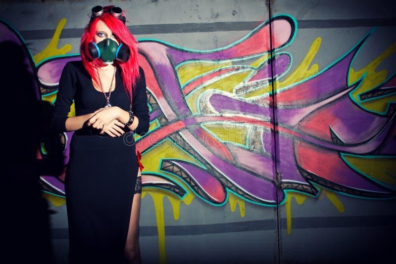 Menina gótico do cyber do Redhead imagem de stock royalty free