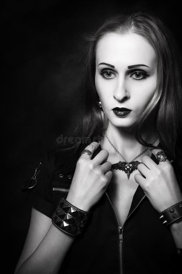 Menina gótico do ruivo fotografia de stock royalty free
