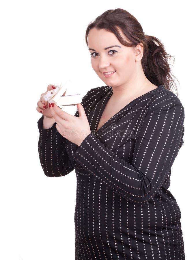 Menina gorda com caixa de presente fotos de stock