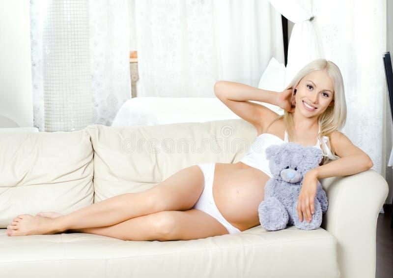 Menina grávida foto de stock