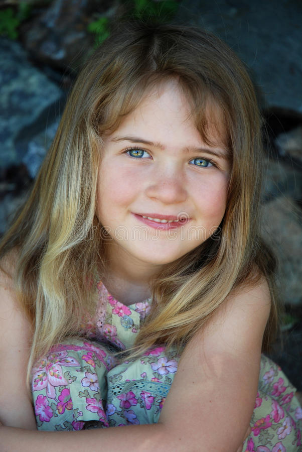 Menina idosa de cinco anos imagens de stock royalty free