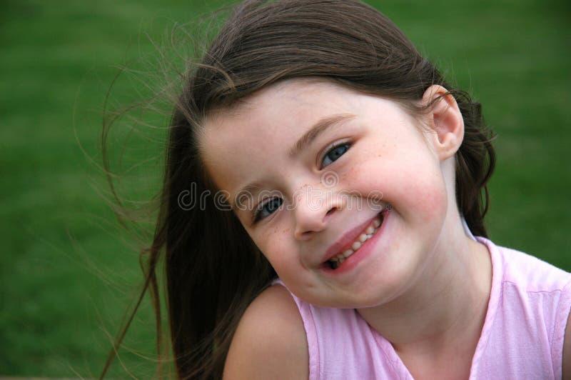 Menina idosa de cinco anos adorável foto de stock royalty free