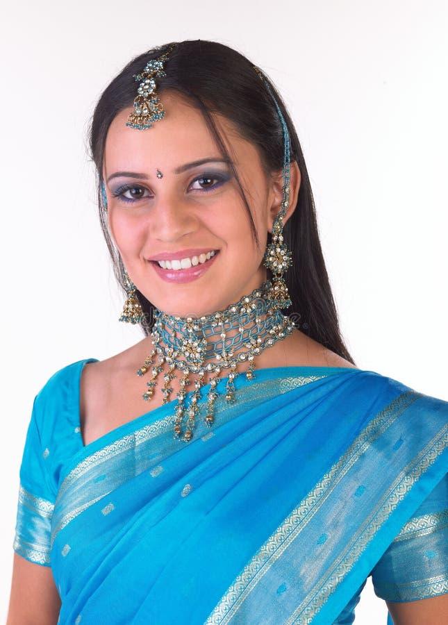 Menina indiana com jewelery agradável fotografia de stock royalty free