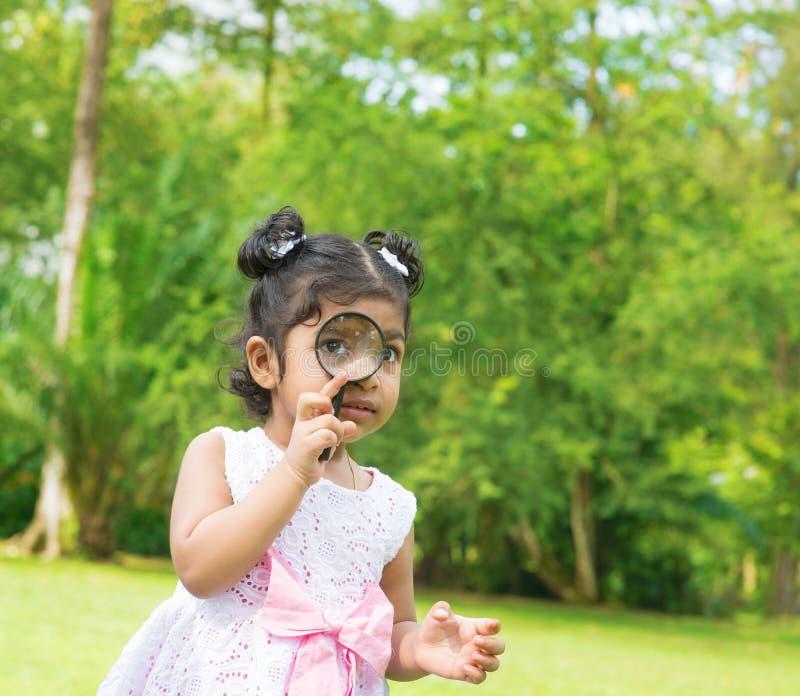 Menina indiana exterior imagens de stock royalty free