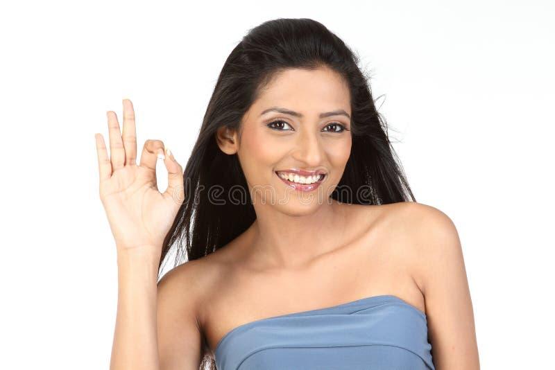 menina indiana na ação aprovada imagem de stock royalty free