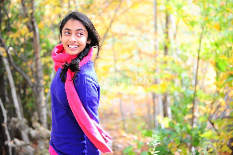 Menina indiana na estação de queda fotografia de stock royalty free