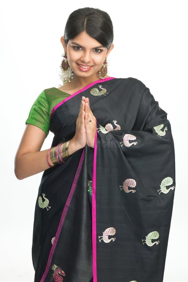 Menina indiana na expressão dos cumprimentos fotografia de stock