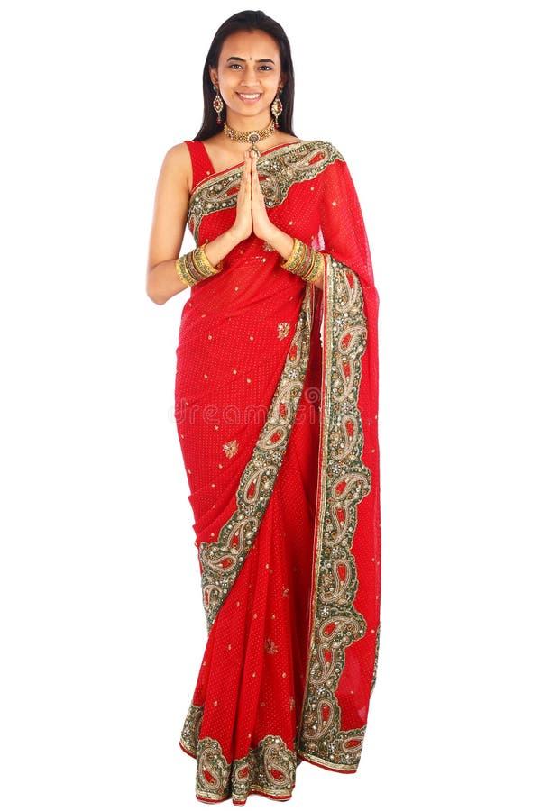 Menina indiana nova na roupa tradicional. imagem de stock royalty free