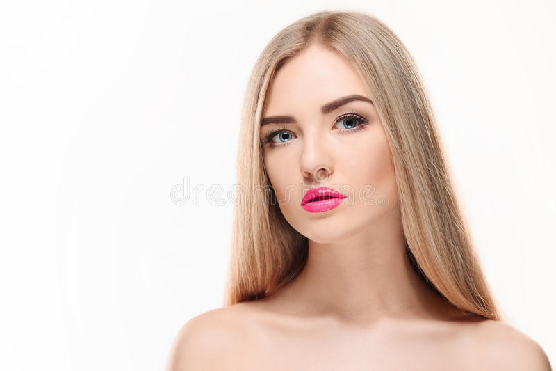Menina loura bonita Cabelo longo saudável imagem de stock royalty free