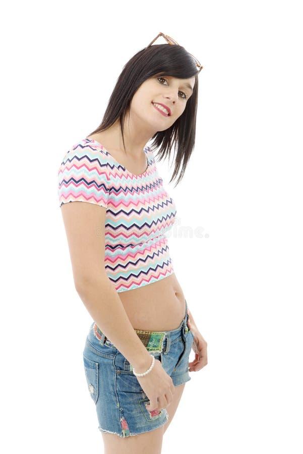 Download Menina Moreno Consideravelmente Nova Com As Calças De Brim Do Short No Branco Imagem de Stock - Imagem de olhar, atrativo: 80102877