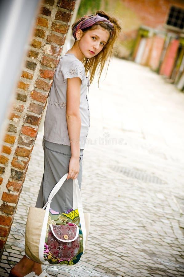 Menina na moda do adolescente da forma imagem de stock