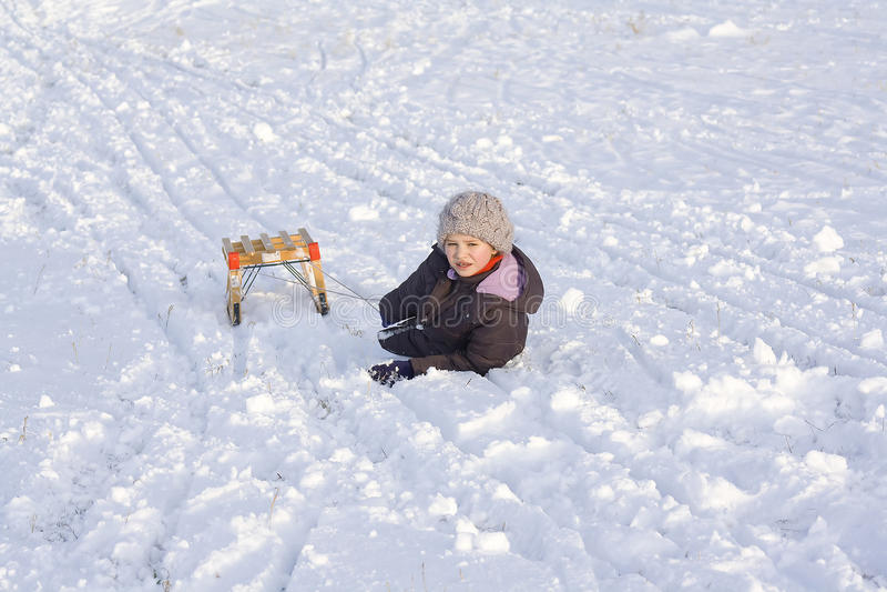 Menina na neve fotografia de stock