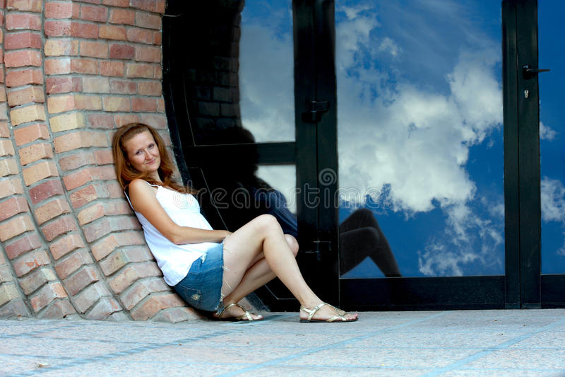 Menina no ao ar livre fotografia de stock