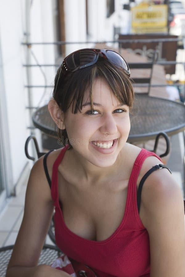 Menina no café foto de stock
