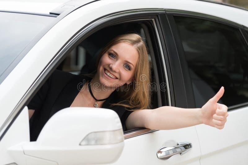 A menina no carro fotografia de stock royalty free