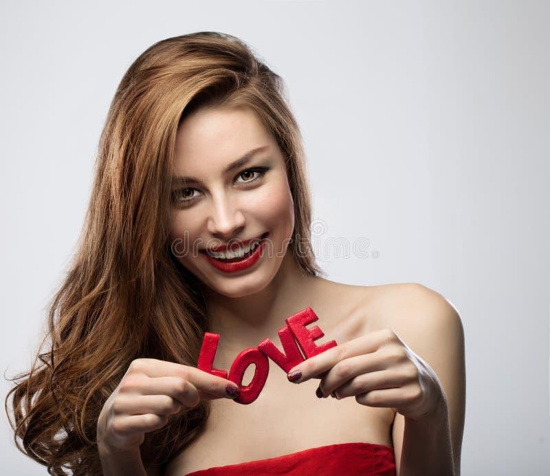 Menina no dia de Valentim fotos de stock royalty free