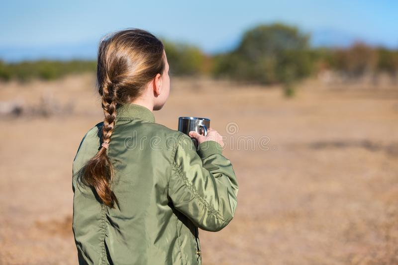 Menina no safari imagem de stock royalty free