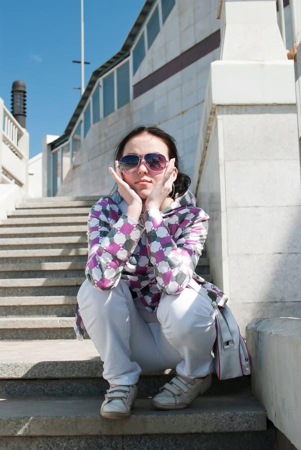Menina no stairway fotos de stock royalty free