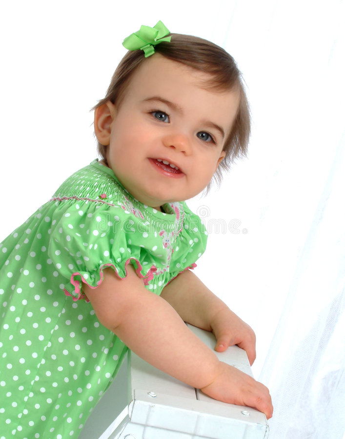 Menina no vestido do ponto de polca imagem de stock royalty free