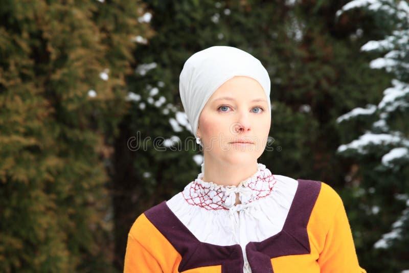 Menina no vestido histórico imagem de stock royalty free