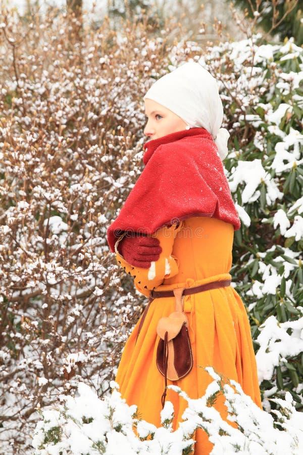 Menina no vestido histórico fotos de stock