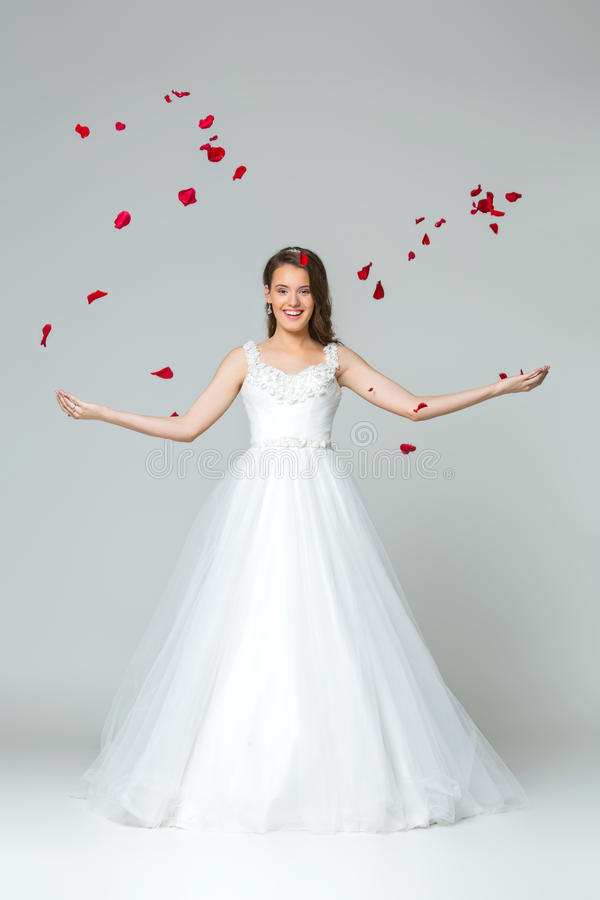 Menina nova bonita da noiva fotos de stock royalty free