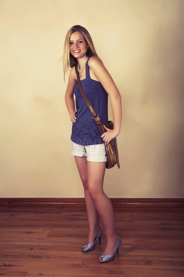 Menina nova do estudante fotografia de stock