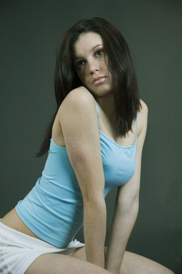 Menina ocasional sensual fotografia de stock royalty free