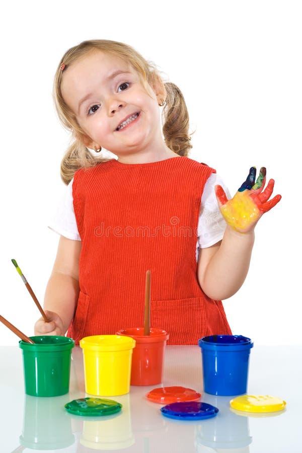 Menina pequena feliz do pintor fotos de stock royalty free