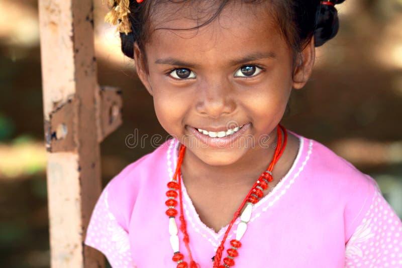 Menina pequena indiana da vila imagem de stock