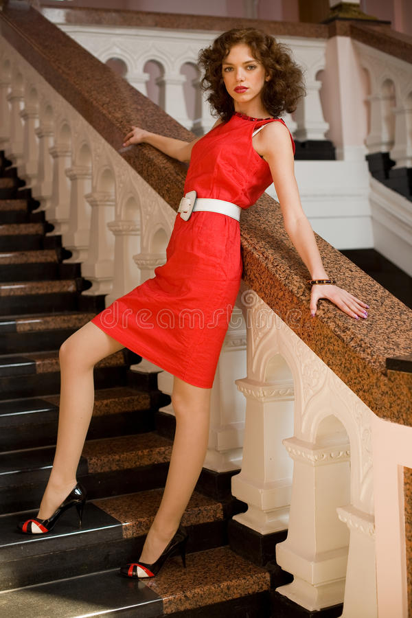Menina Pin-acima no vestido vermelho fotos de stock