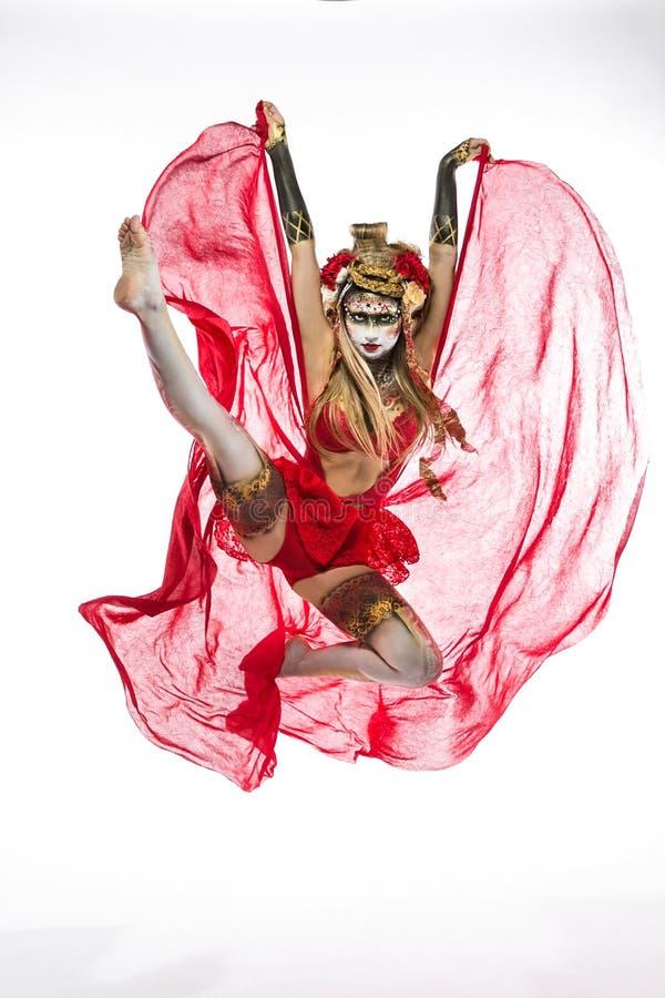 Download Menina pintada BB149888 imagem de stock. Imagem de dança - 65578829