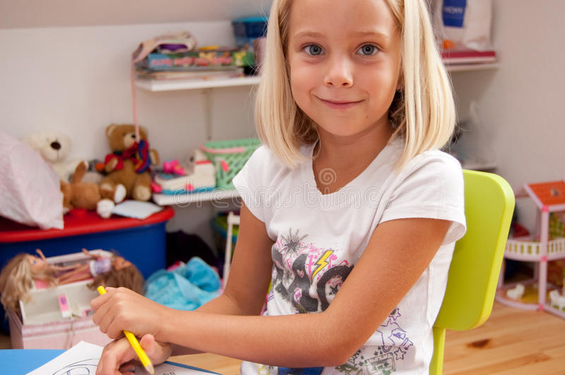 Menina pré-escolar foto de stock royalty free