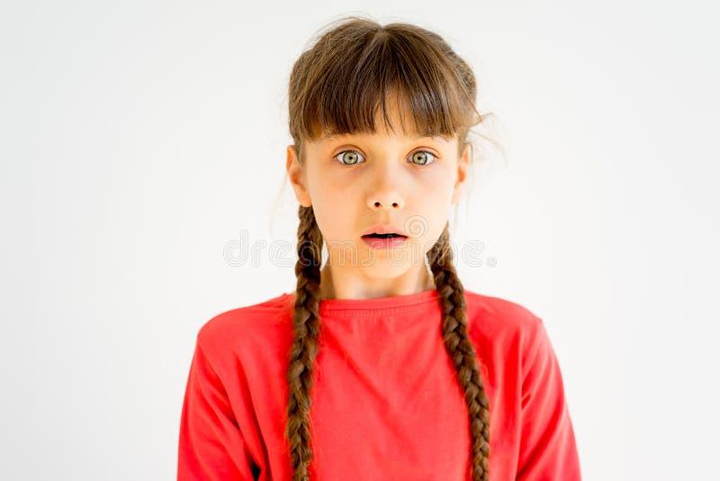 Menina que mostra emoções imagens de stock