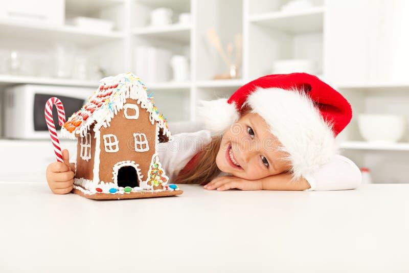 Menina que prepara-se para o Natal foto de stock royalty free