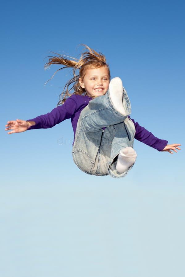 Download Menina de salto imagem de stock. Imagem de jeans, menina - 29845687