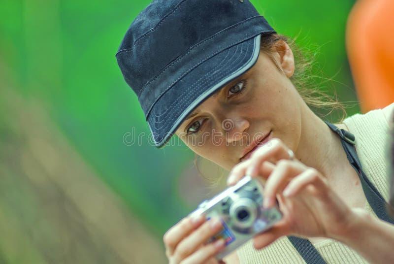 Menina que toma retratos imagens de stock