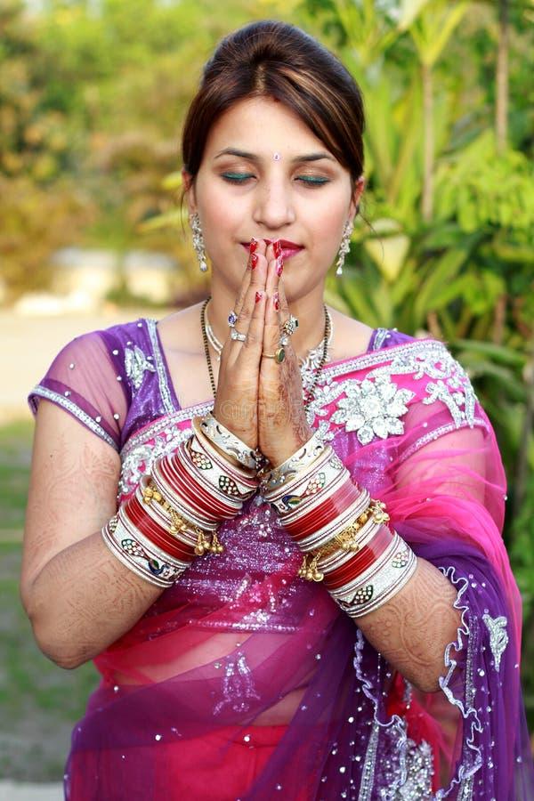 Menina recentemente wedded imagens de stock royalty free