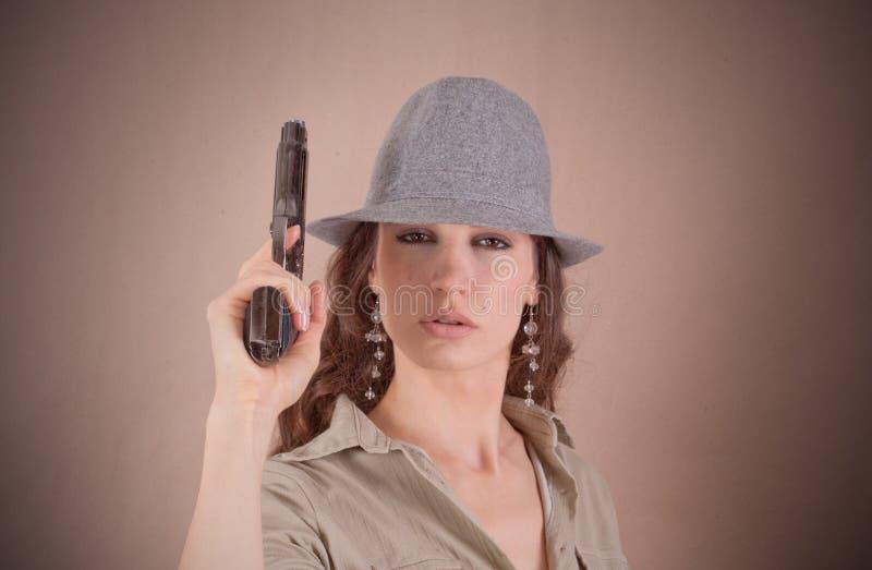Menina séria do agente no estilo retro imagem de stock royalty free