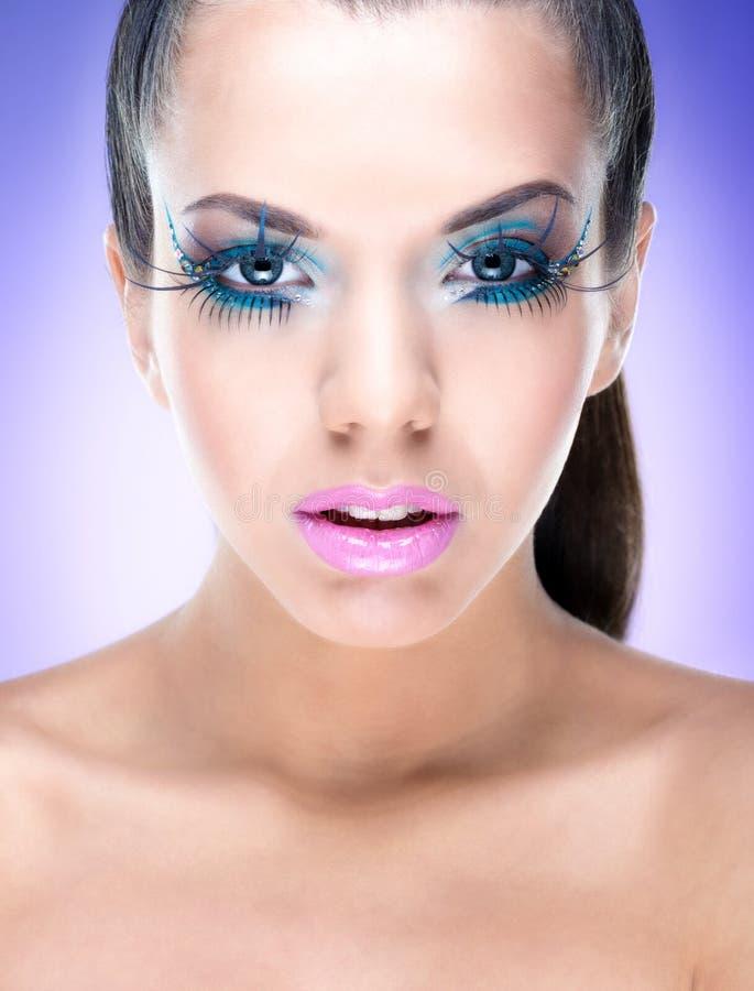 Menina 'sexy' da beleza com composição da fantasia foto de stock royalty free