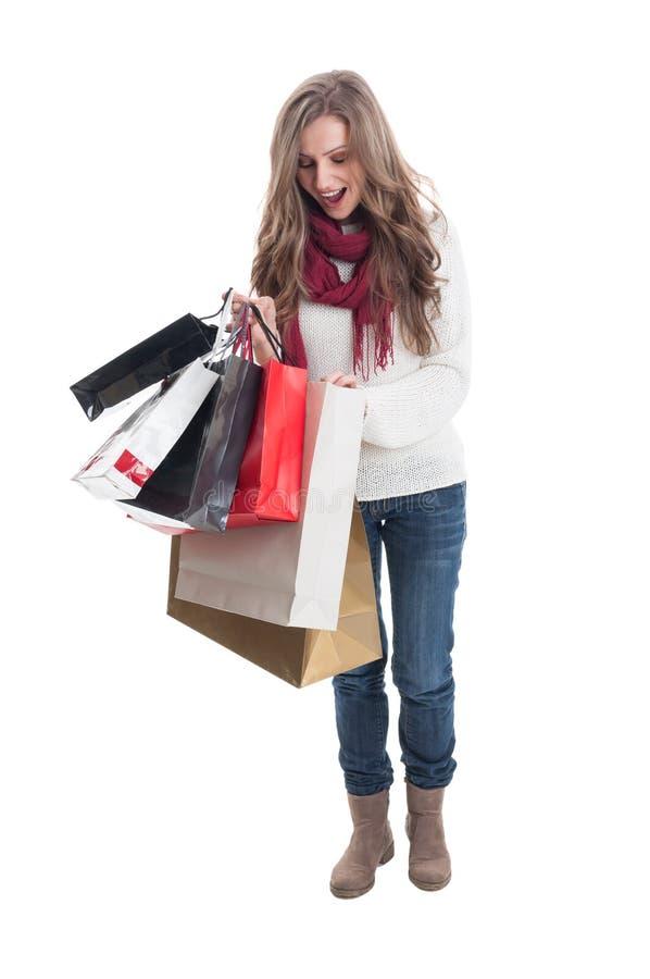Menina shoping entusiástica imagem de stock royalty free