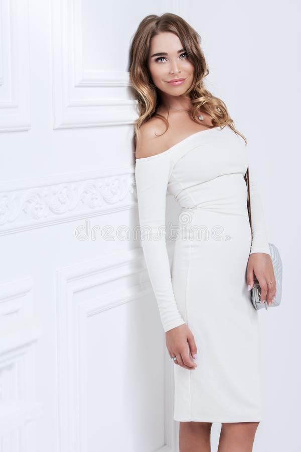 Menina surpreendente no vestido imagens de stock royalty free