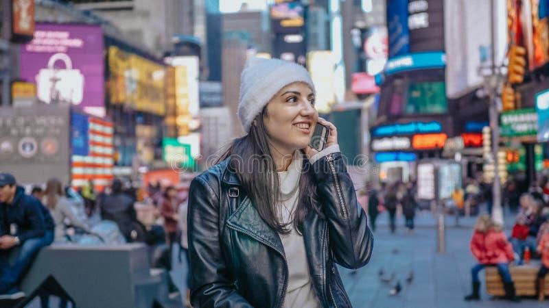 Menina turca nova em uma viagem das férias a New York fotografia de stock
