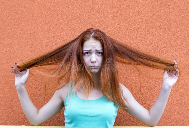 Menina vermelha do cabelo imagem de stock royalty free