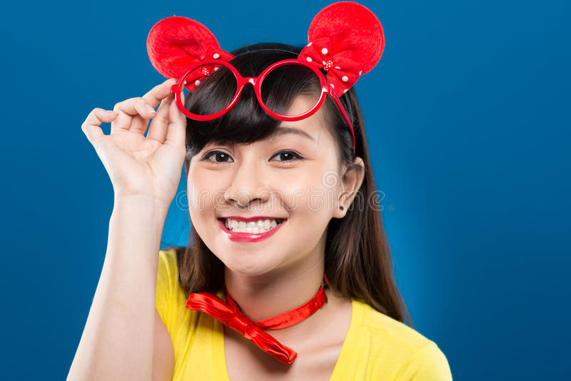 Menina vietnamiana feliz fotos de stock