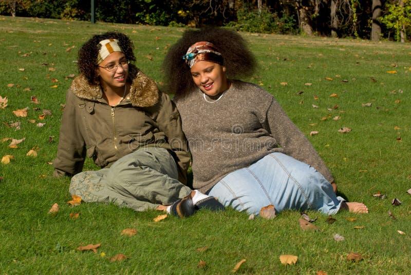 Meninas adolescentes do americano africano foto de stock
