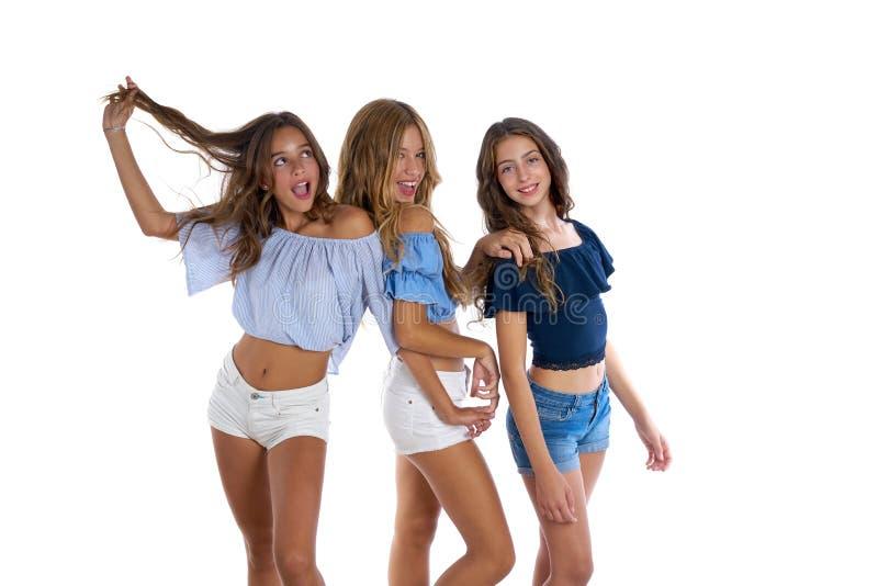 Meninas adolescentes dos melhores amigos de Thee felizes junto foto de stock