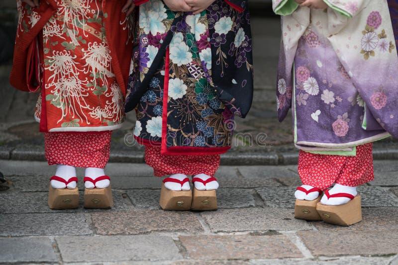 Meninas de gueixa em Japão imagens de stock
