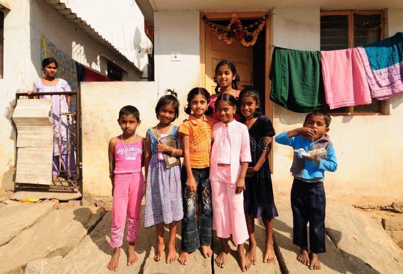 Meninas deficientes com corações bonitos e sorriso doce fotos de stock