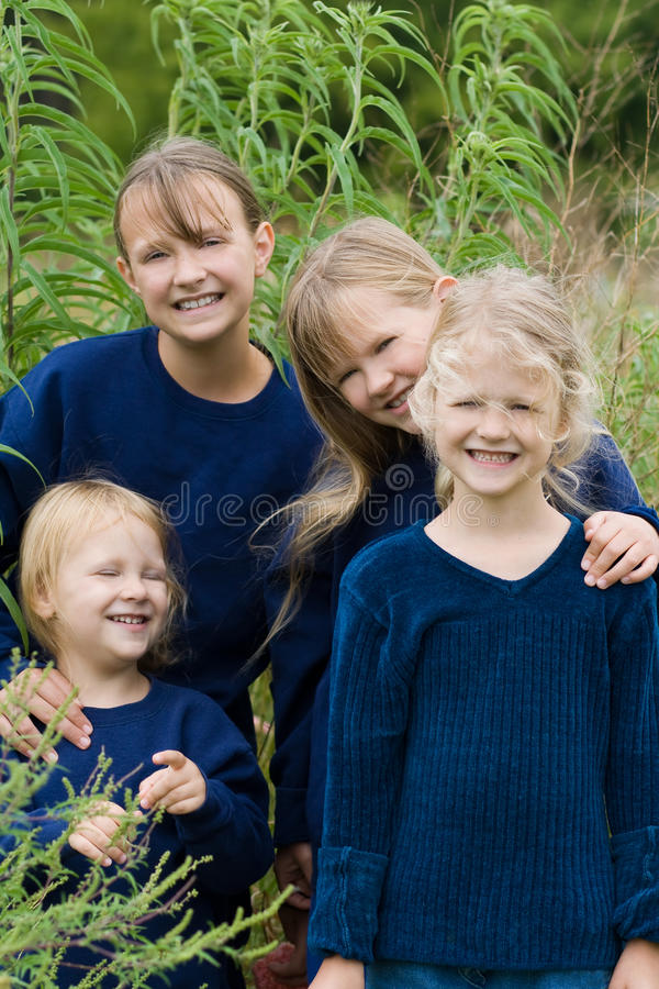 Meninas felizes. imagens de stock royalty free